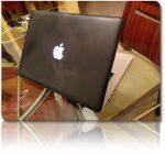 Μαύρο MacBook Pro, για τους τολμηρούς
