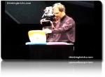 Ο Steve Jobs παρουσιάζει το ασύρματο δίκτυο